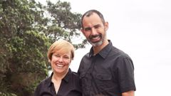 Leslie Gelberger and his wife Laura McLeod. (Photo / Supplied)