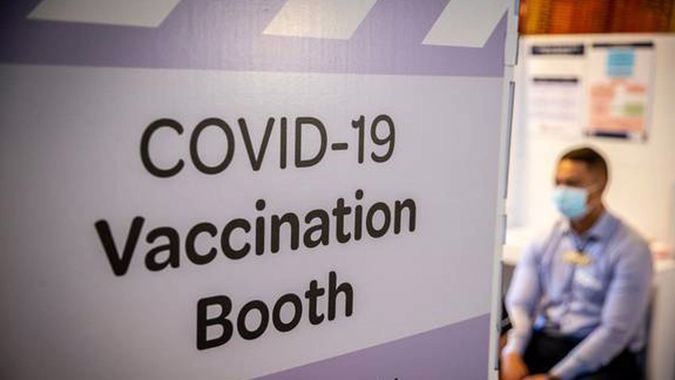 Mike's Minute: Vaccine rollout well and truly busted