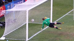Manuel Neuer watches the ball bounce over the line from a shot that hit the crossbar from Frank Lampard in 2010. (Photo / CNN)