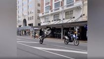 Wild video shows bikers take over Auckland streets