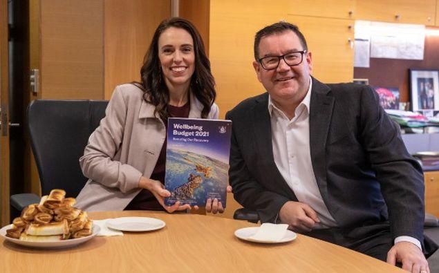 Prime Minister Jacinda Ardern and Finance Minister Grant Robertson. (Photo / Pool)