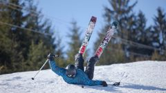 ACC has spent $11.9 million on skiing and snowboarding injuries so far this year with 1018 new claims. (Photo / 123RF)