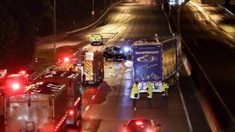 Two dead, three hurt in Southern Motorway crash