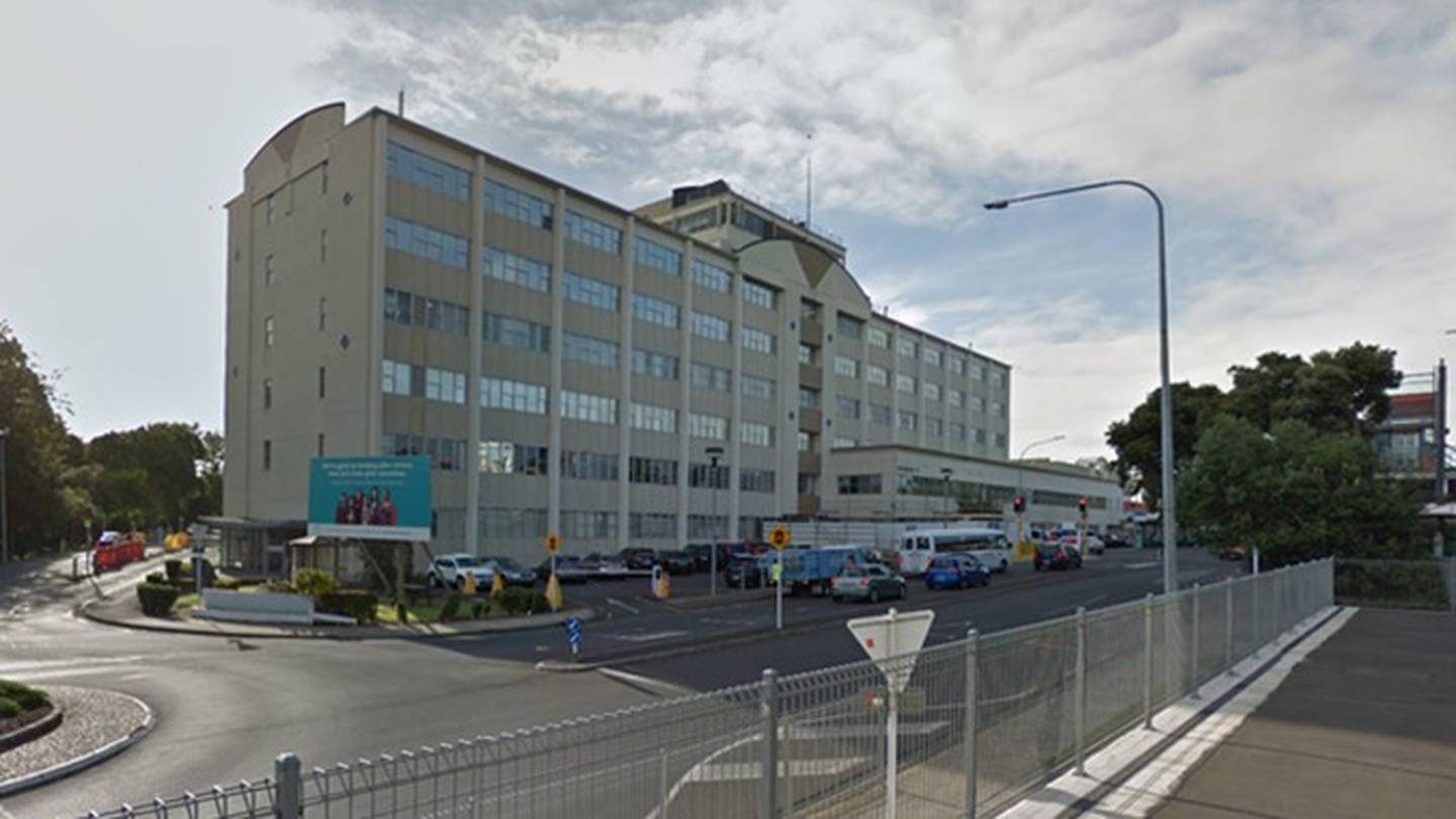 Four new cases in MIQ as two people continue to fight virus in Middlemore Hospital